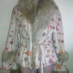 Palton dama - Haina originala gen cojoc, cu floricele, marime S/M