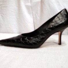 Pantofi negri piele