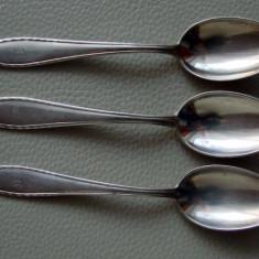 Trei lingurite placate cu argint
