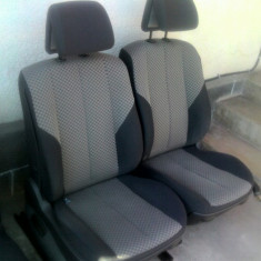 Tapiserie scaun pasager sezut sau spatar Renault Megane 2('02-'09) - Scaune auto, MEGANE II (BM0/1_, CM0/1_) - [2002 - 2008]