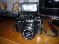 Aparat Foto cu Film Zenit - Aparat foto ZENIT 122 + blitz TUMAX 681A