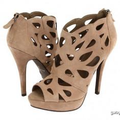 Botine dama - Botine - pantofi Aldo bej cu platforma / piele intoarsa / marimea 36.