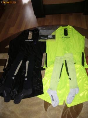 vand echipament arbitru diadora negru si verde  .pret negociabil foto