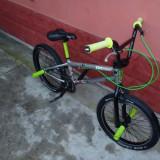 BMX - Khe Cosmic(Super Ofertă) - Bicicleta BMX Nespecificat, 20 inch, Curbat(Risebar), Aliaje de aluminiu, Fara amortizor