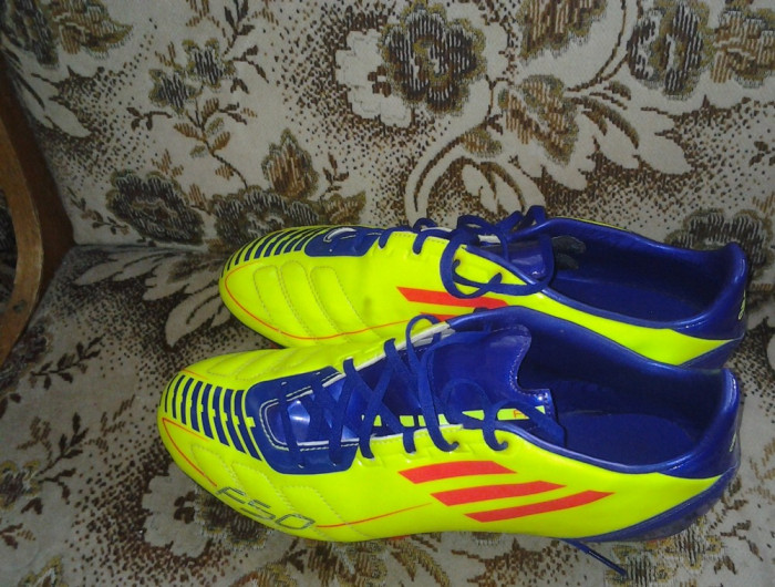 Ghete Fotbal Adidas F50 De Vanzare