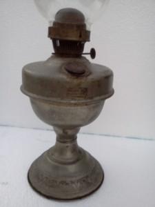 VAND LAMPAPETROL VECHE CU FITIL foto