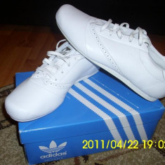 Adidasi barbati - Pantof sport ADIDAS PIELE PE STOC ! MARIMEA 45 ! ! CURIER GRATUIT