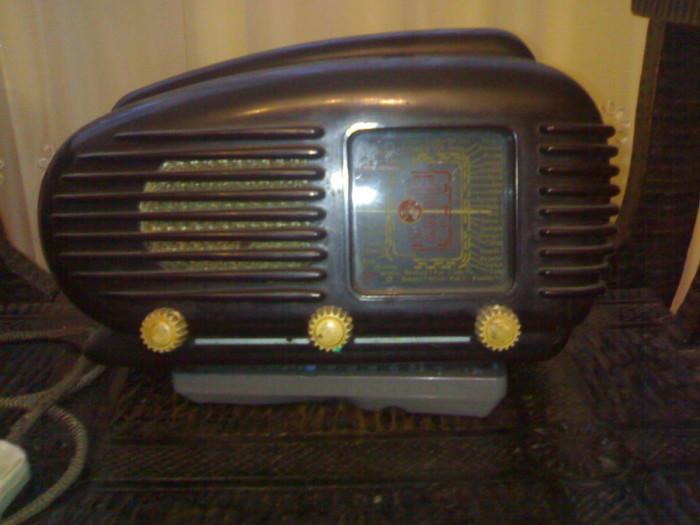 RADIO CU LAMPI DE EPOCA  -  TESLA ( TALISMAN ) foto mare