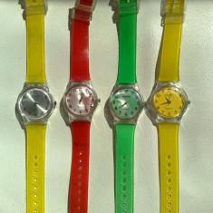 Ceas unisex - Ceas de mana electronic Swatch color curea plastic Pret 10lei