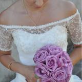 Rochie de mireasa printesa - Rochie de mireasa model unic facuta la comanda poate fi purtata lunga cat si scurta intr-o stare foarte buna material de calitate cu dantela din Itali