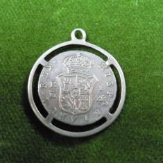 VECHI PANDANTIV DIN MONEDA SPANIOLA DE ARGINT - 1 REAL 1852 - DIAMETRUL 2, 5 CM - GREUTATE 3, 9 GRAME