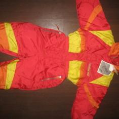 Costum ski, cu eticheta, pt. 3 ani (merge mult mai mult), Culoare: Rosu