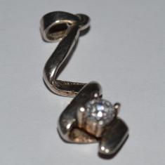 PANDANTIV / MEDALION DIN ARGINT VECHI, ZIGZAG CU ZIRCONIU, ART DECO, MARCAJ, PIESA DE COLECTIE - Pandantiv argint
