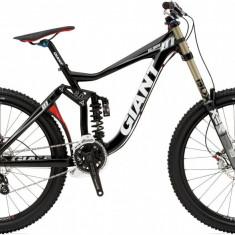 Bicicleta Downhill Giant glory 01 - Mountain Bike Giant, 28 inch, Numar viteze: 9, Aluminiu, Negru mat-Rosu, MTB Full Suspension