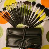 Trusa profesionala 24 pensule machiaj make up M.A.C / MAC