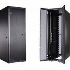 RACK IBM 9307-RC4 - Rack server