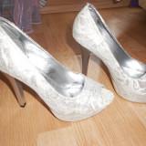 Pantofi de mireasa marimea 37