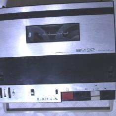 Mini magnetofon de colectie anii 60 functional vintage de colectie portabil