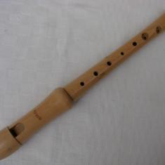 Fluier din lemn inscriptionat Moech