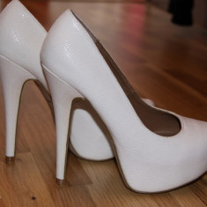 Vand pantofi cu toc New Look - Pantof dama, Marime: 38, Culoare: Alb, Alb