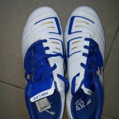 Adidasi barbati Puma, 39-40, Alb, Piele sintetica - Vand adidas Puma, cu crampoane