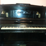 Pianina, marca Gerbstaedr Zeitz,  placa bronz, corzi originale, 2 pedale, stare functionala