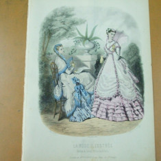 Revista moda - Moda costum rochie palarie evantai umbrela gravura color La mode illustree Paris 1868