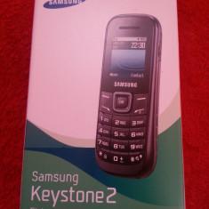 Telefon Samsung GT-E1200I sigilat ( blocat Vodafone ), Negru, <1GB, Fara procesor, Nu se aplica