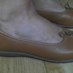 Pantofi dama, Marime: 39, Rosu - Pantofi din piele marimea 38, 5, arata impecabil!