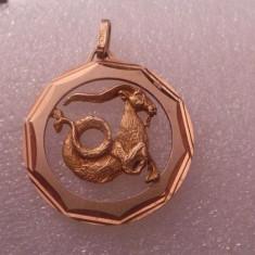 Pandantiv aur, 18k - Medalion aur capricorn