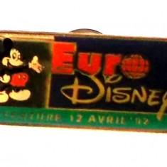 INSIGNA Euro Disney Mickey Mouse deschiderea parcului 12.04.1992, 32 x 16 mm **, Europa