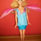Papusa Mattel - Barbie cu rochita cu 2 fete