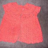 Vesta rosie crosetata 1-2 ani