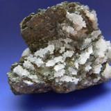 Fosila roca - Specimen minerale - CUARTIT, BLENDA SI CALCOPIRITA