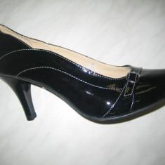 Pantofi cu toc dama;cod 54;marime:36-40 - Pantof dama, Marime: 37, 38, 39, Culoare: Negru