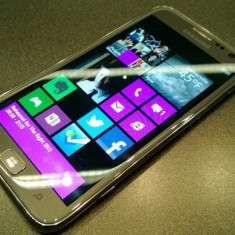SAMSUNG WINDOWS 8.1 & CORTANA/ IMPECABIL 10/10 - Telefon mobil Samsung Ativ S, 32GB