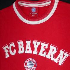 Tricou barbati - Tricou FC Bayern Munchen; marime 140 (un XS la noi), vezi dimensiuni exacte