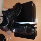 Vand Adidas marimea 37
