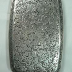 VECHI PORTTIGARET DIN ARGINT - PENTRU DAME - MARCAJE VECHI - GRAVURA MANUALA - DIMENSIUNI 8, 5 X 5 CM - GREUTATE 65 GRAME