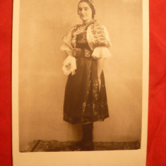 Fotografie Femeie in Costum Popular Maghiar, 1936