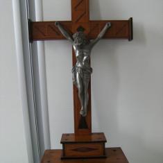 Crucifix pentru masa, din lemn - Metal/Fonta