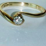 Inel aur cu diamant solitaire