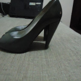 Vand pantofi dama, piele, SOFIA BALDI, marimea 36, gri inchis., Culoare: Din imagine, Din imagine