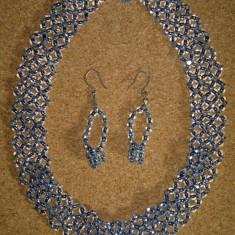 Set colier cu cerceti handmade din margele de culoare albastra - argintie - Set bijuterii handmade si fashion
