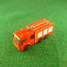Camion de pompieri Made in China. Este in stare buna. - Macheta auto Alta