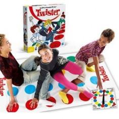 Joc de societate Twister ideal pentru distractie - Jocuri Board games