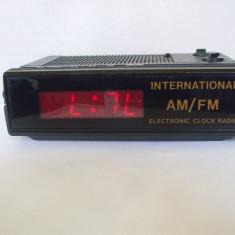 APARAT DE RADIO CU CEAS ELECTRONIC, 2 LUNGIMI DE UNDA, CEAS DESTEPTATOR - Aparat radio, 0-40 W