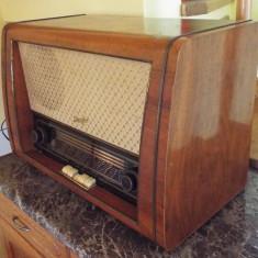Radio pe lampi Stassfurt Rienzi 6E 66 - Aparat radio