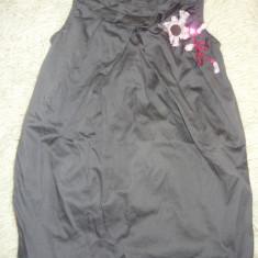 Rochita firma LC Waikiki 3-4 ani antracit cu funtita roz, stare foarte buna