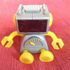 Roboti de jucarie - Jucarie McDonalds 2002 Robot /robotel Sega Toy 2000 Tiger Electronics, 2 fete